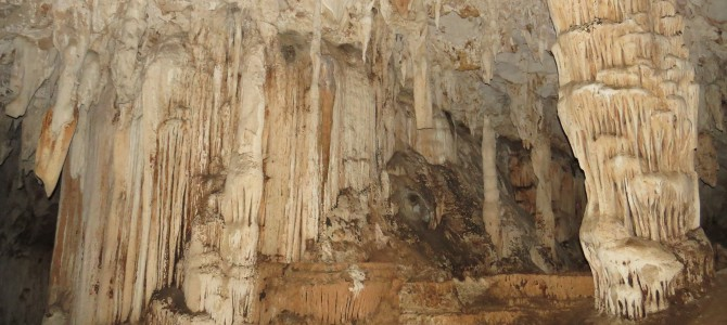 Thailand – Die Höhle von Tham Lod