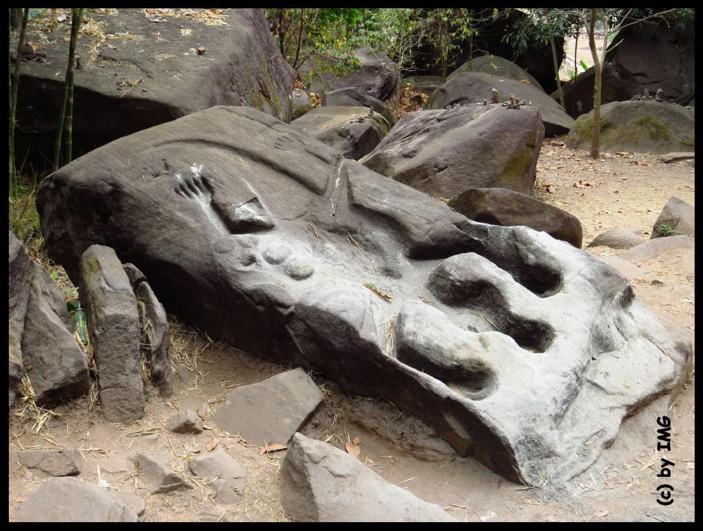26.07.14 Vat Phou Opferstein