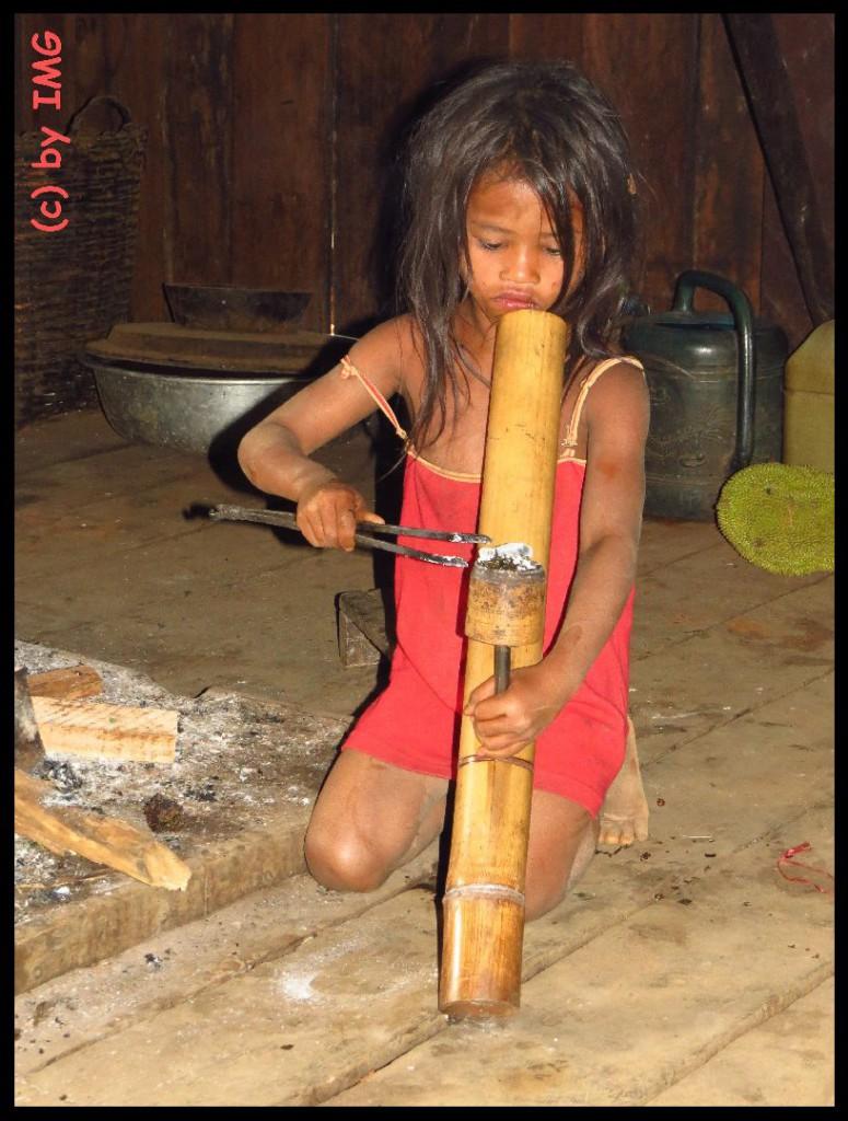 05.08.14 Laos Mädchen