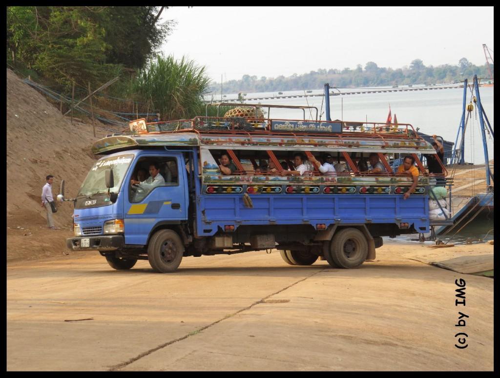 01.10.14 Bus Mekong