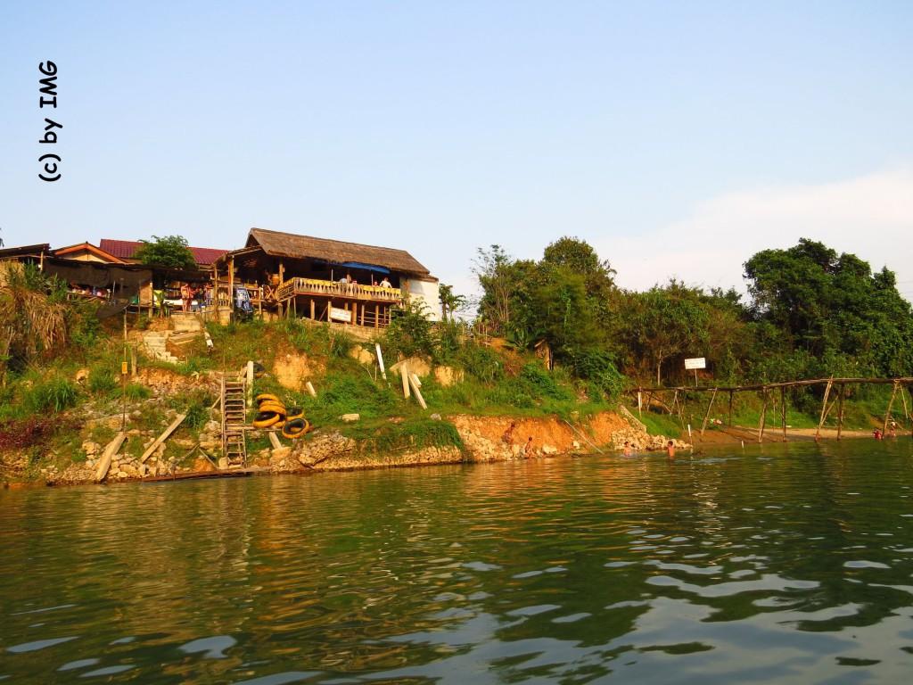 vang vieng-laos-river-house