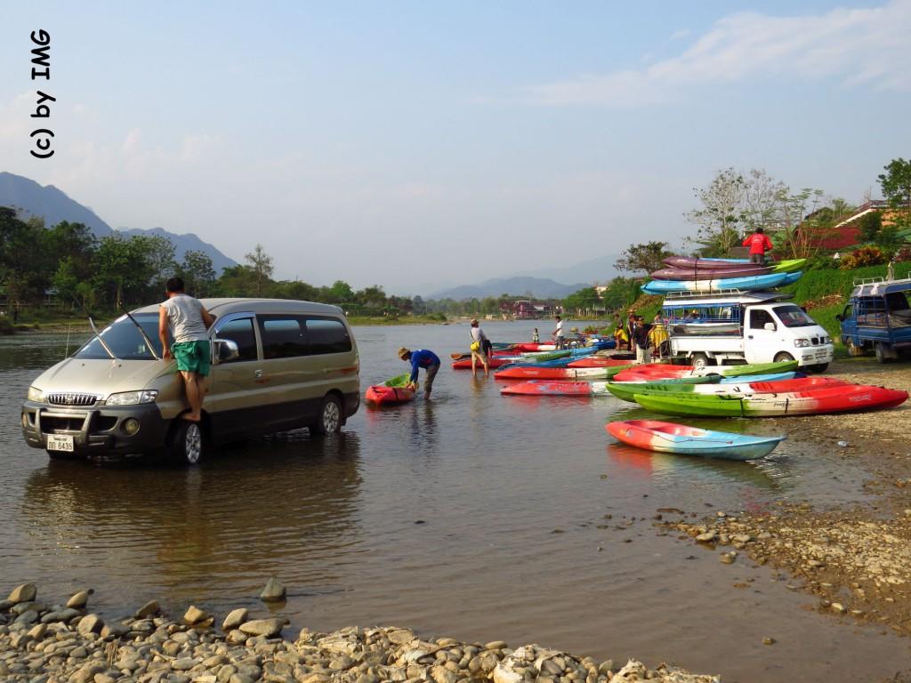 vang vieng-river-boats