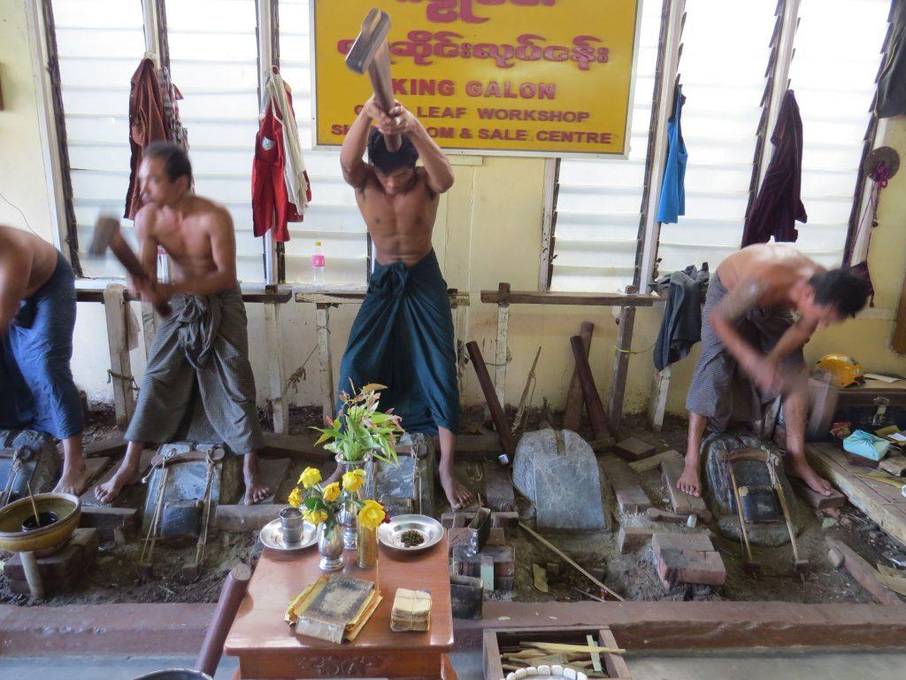 Goldschläger, Mandalay, Burma, Birma, Myanmar